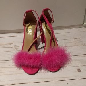 👠🌸👠🍀Fury pink sandals by, Brash🌸🌸🌸